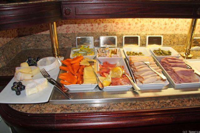 Frühstück in der Castle Club Lounge