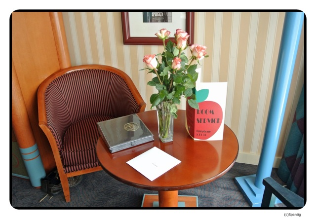 Rosen und Fotoalbum