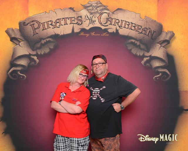 dmg-161208-pirateportrait8x10-17370034_gpr