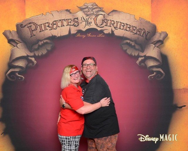 dmg-161208-pirateportrait8x10-17370037_gpr